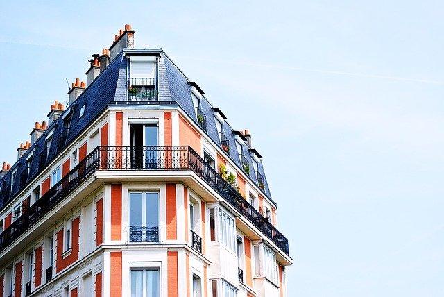 jak podłączyć lampki na balkonie